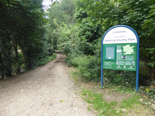 The London LOOP enters Havering Country Park