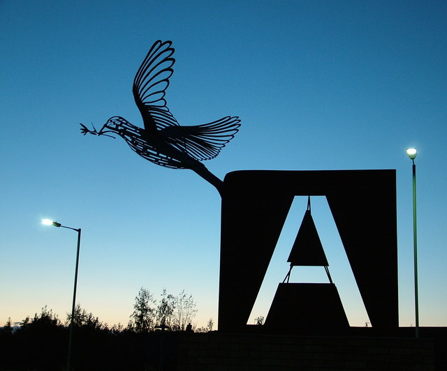 Memorial sculpture on roundabout