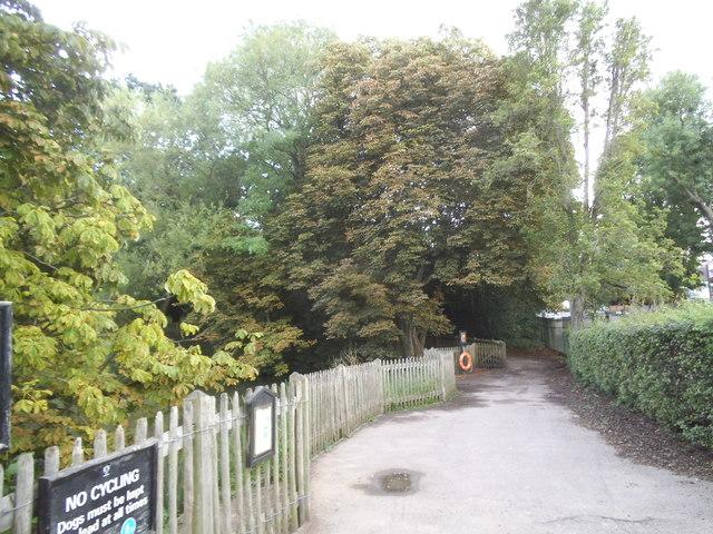 Path through Golders Hill Park