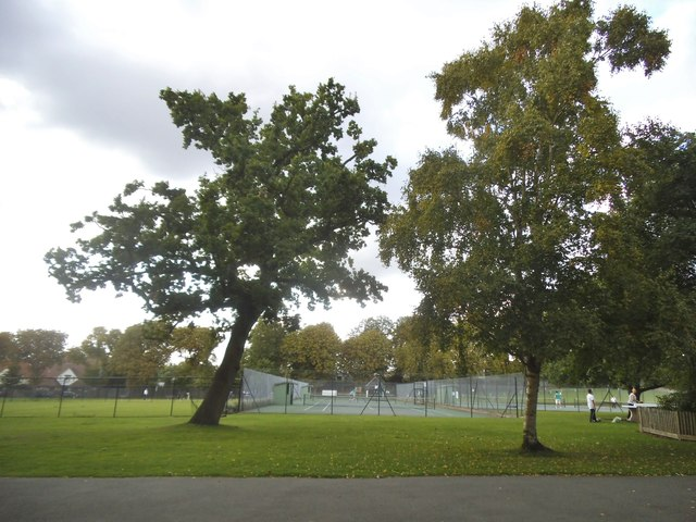 Tennis courts in Golders Hill Park