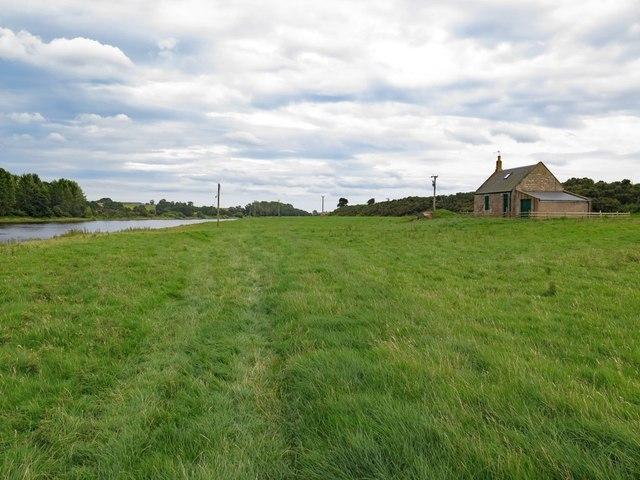 Path near Yardford Shiel