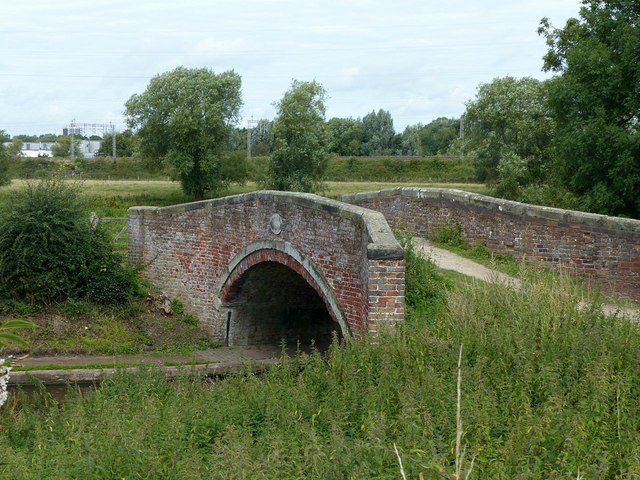 Baswich Bridge, Staffordshire and Worcestershire Canal No.100