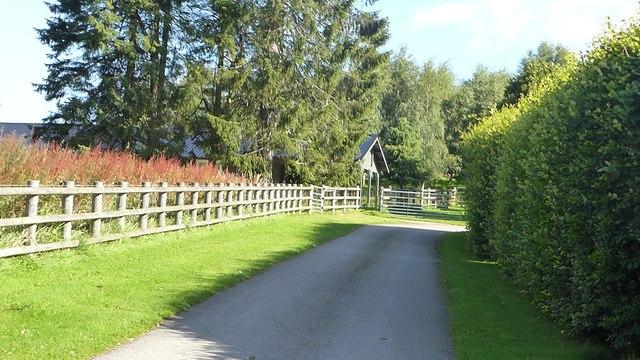Access to Honeycombe House, Balnastraid