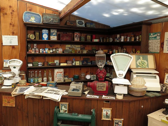 Replica shop in museum, Chain Bridge Honey Farm