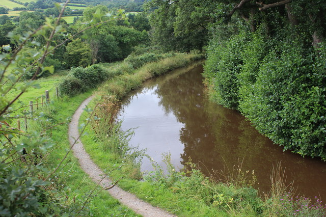Monmouthshire & Brecon Canal south of Bridge 129