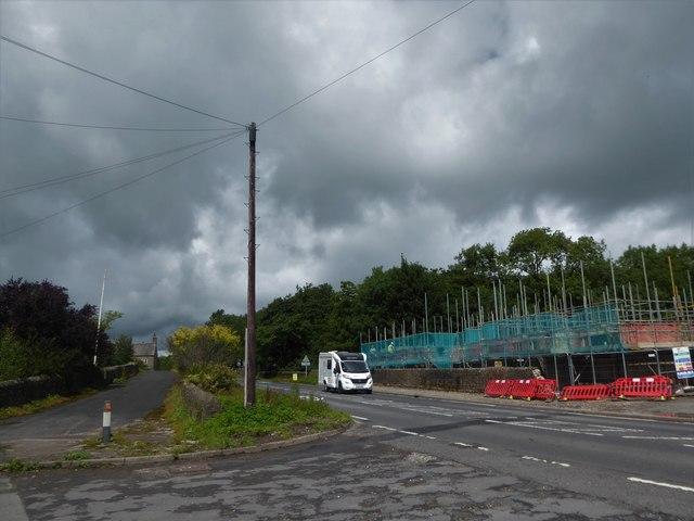 Motorhome passing through Cowan Bridge on the A65