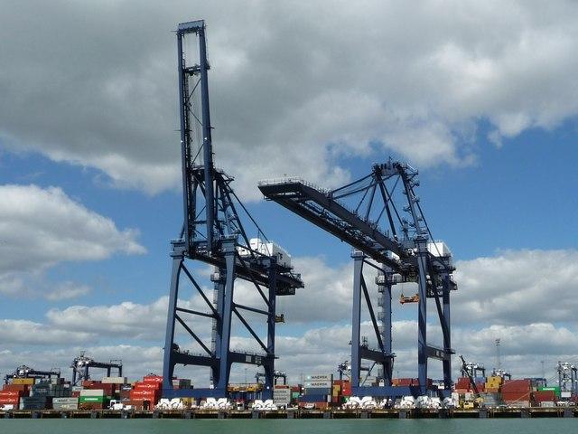Travelling cranes, Trinity container terminal, Felixstowe