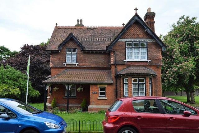 Entrance Lodge, Bedford Park