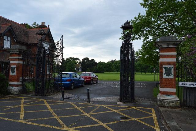 Gates, Bedford Park