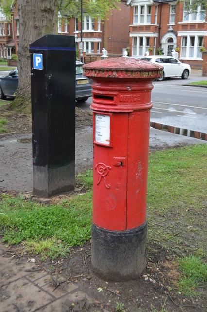 Victorian Postbox, De Parys Avenue