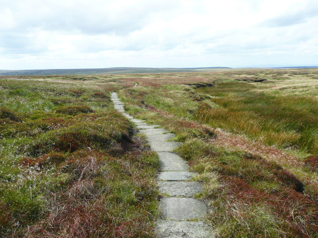 The Pennine Way descending from Black Hill
