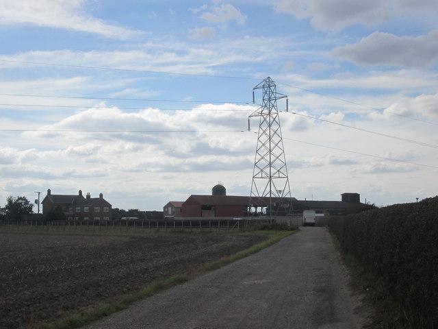 Approaching Broad Oaks Farm