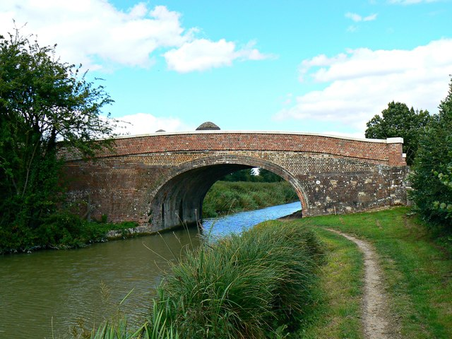 Bridge 99 over the Kennet and Avon canal revisited