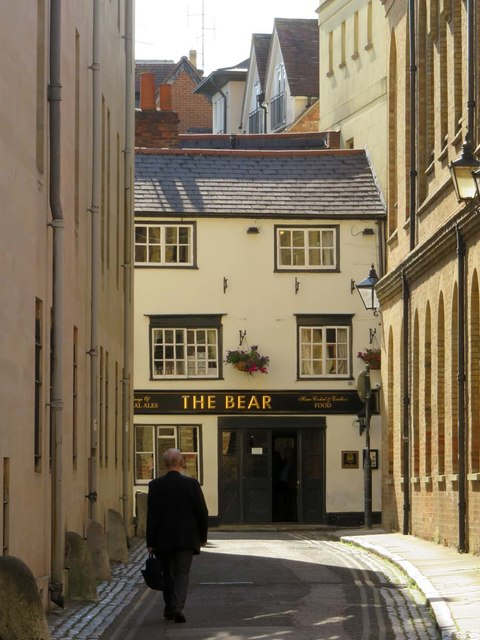 Looking up Bear Lane to The Bear