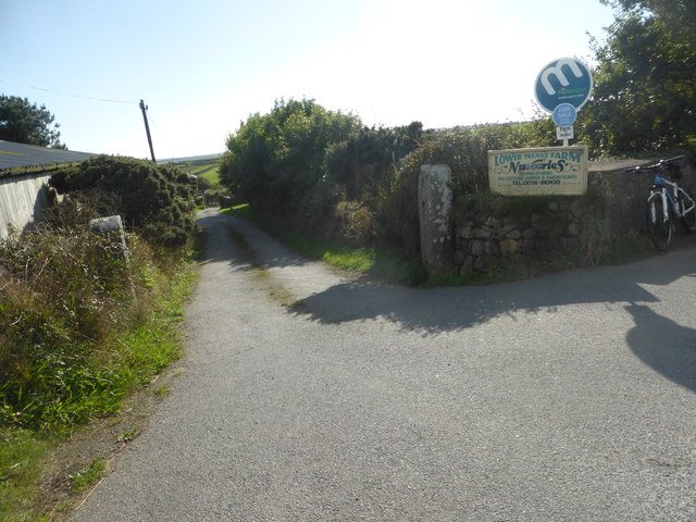 The entrance to Lower Treave Farm Nurseries