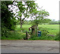 ST9997 : Entrance to the Wysis Way and the Thames Path near Kemble by Jaggery