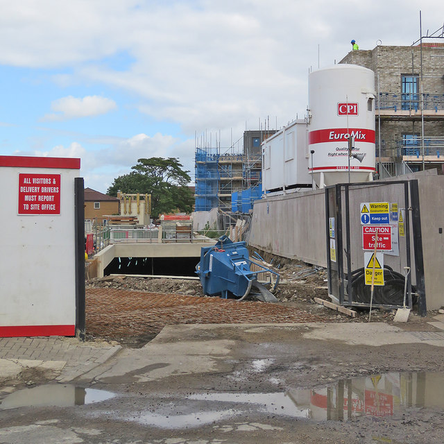 Mill Road: site entrance