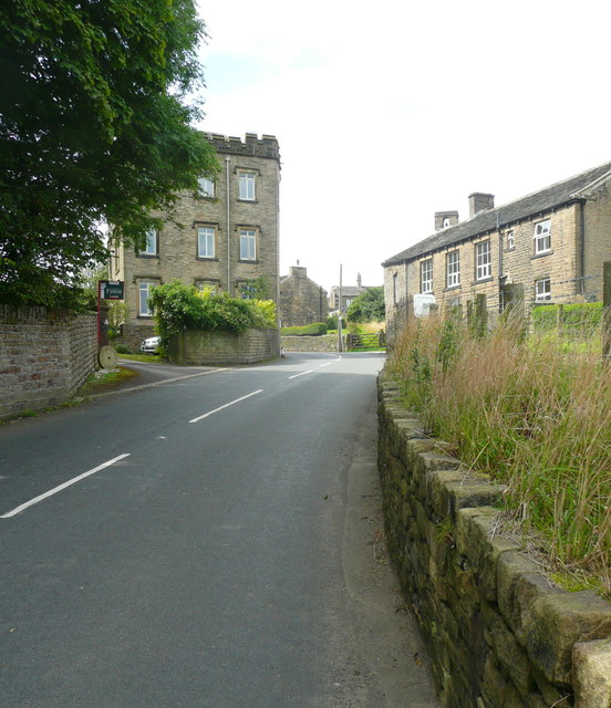 Entering Holme village from the north-east