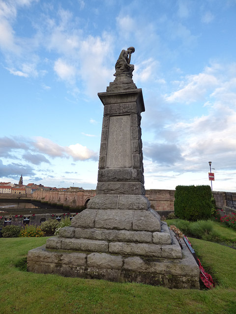 War memorial, Main Street, Tweedmouth (2)