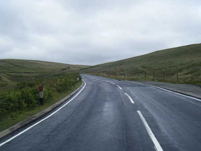 A640 Huddersfield Road below Hind Hill