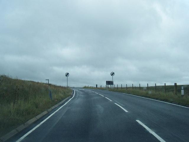 A640 nears the Pennine Way crossing