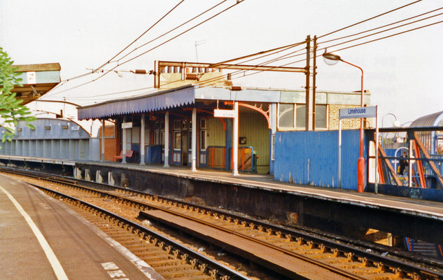 Limehouse station, Tilbury line platforms 1997