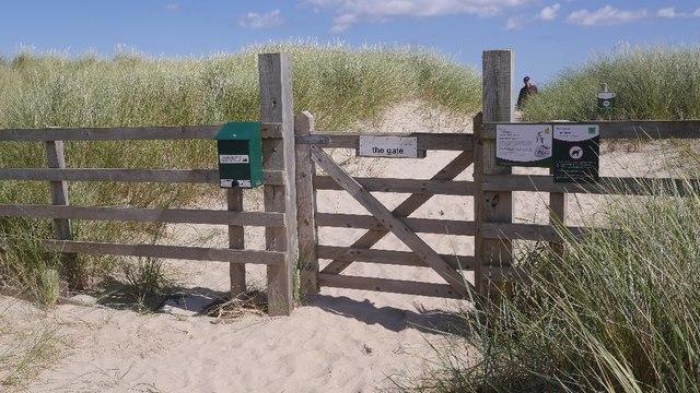 Gate, Ross Back Sands