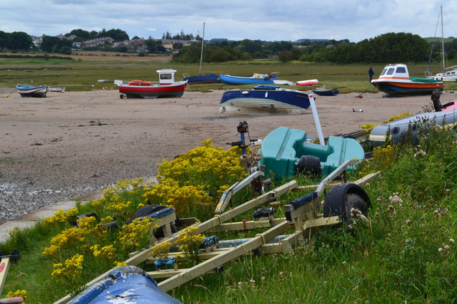 Boats beside the Aln estuary