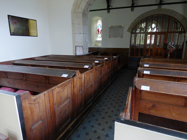 St Maurice, Eglingham - box pews
