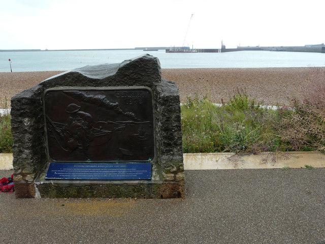 The Dunkirk Memorial, Promenade