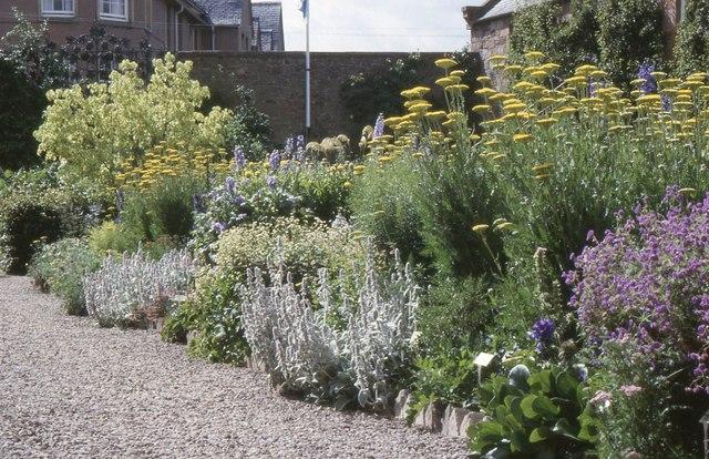 Priorwood Garden, Melrose