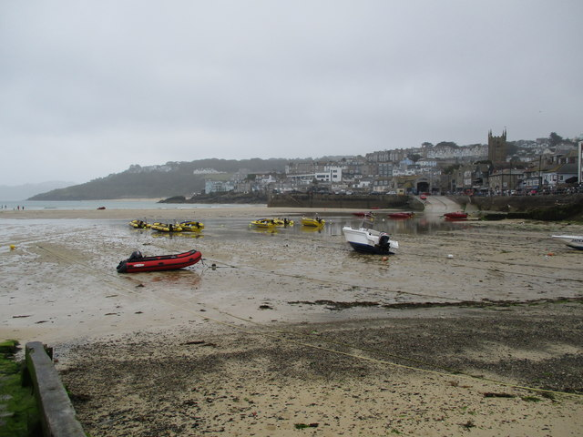 St  Ives  harbour  at  low tide