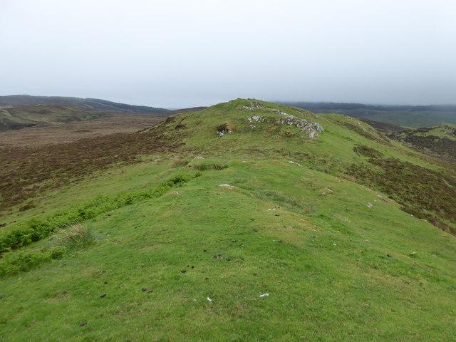 Low ridge west of Allt Mhic an t-Saoir