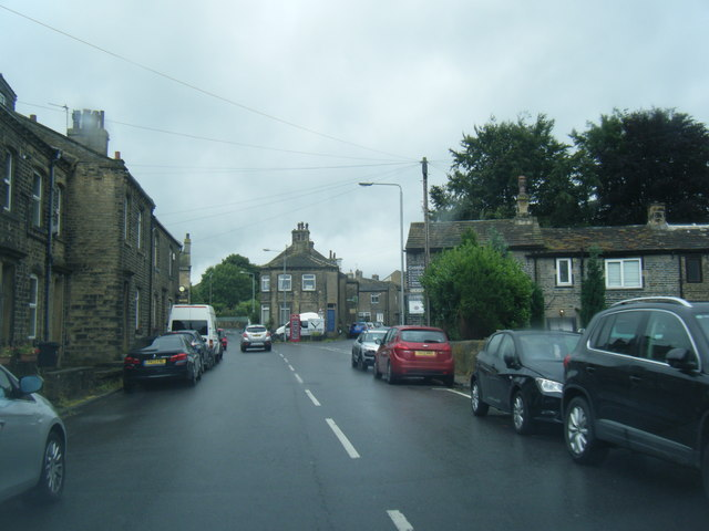 Stainland Road nears Bowling Green Road junction