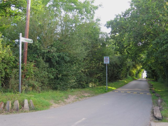 Public Footpath N206 to The Shore at Wootton