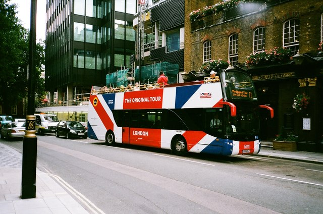 View of an Original Tour bus from Buckingham Gate