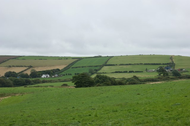 Northern slopes of Great Treffgarne Mountain