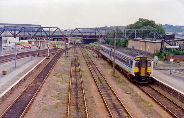 Lincoln Central station, eastward approach 1992