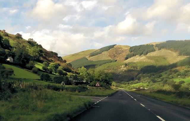 A470 approaching Llwyn-y-Grug entrance