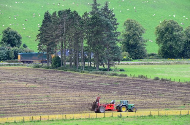 Manuring a field near Eddleston
