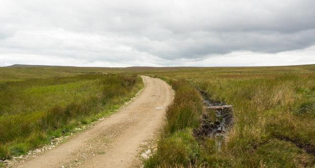 Estate road on north side of Hinder Beck