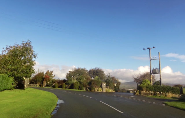 Road junction at Gell Farm