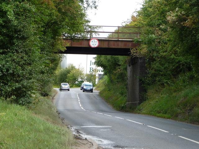 Disused railway bridge crossing Park Lane