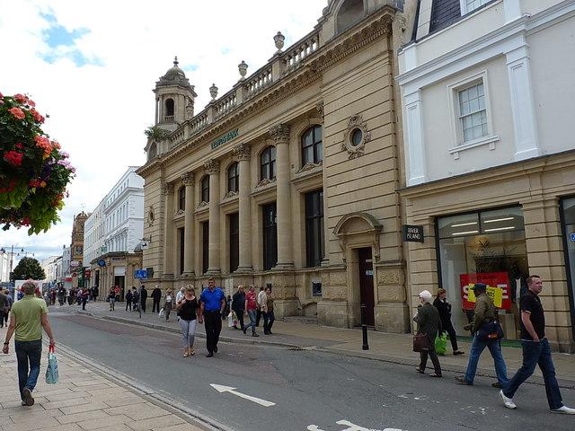 Lloyd's Bank building, Cheltenham