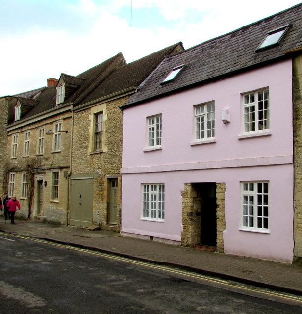 Pink house, Gloucester Street, Cirencester