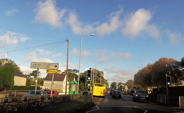 Approaching roundabout at Bontnewydd Prif