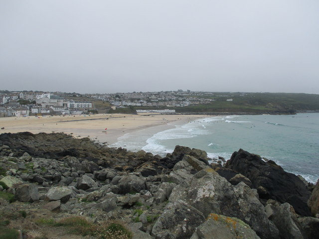 Porthmeor  Beach  from  the  coastal  path  on  St  Ives  Head
