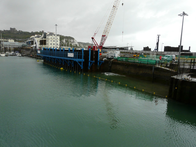 Construction site, quay beside Wellington Dock