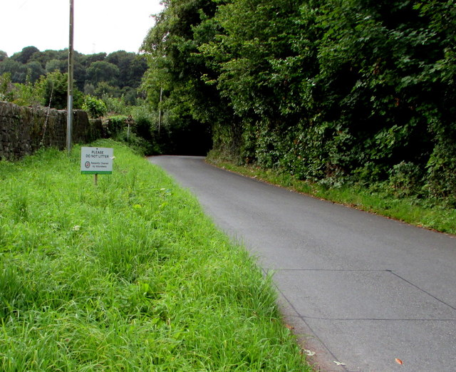 Please do not litter notice, Maesygwartha Road, Gilwern