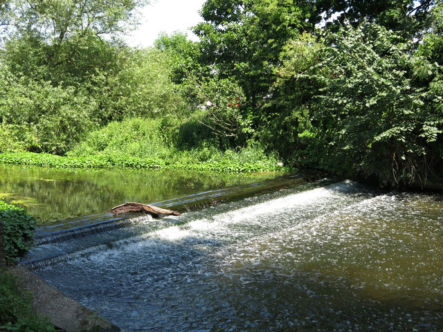 Weir on the River Colne southwest of Old Mill Farm